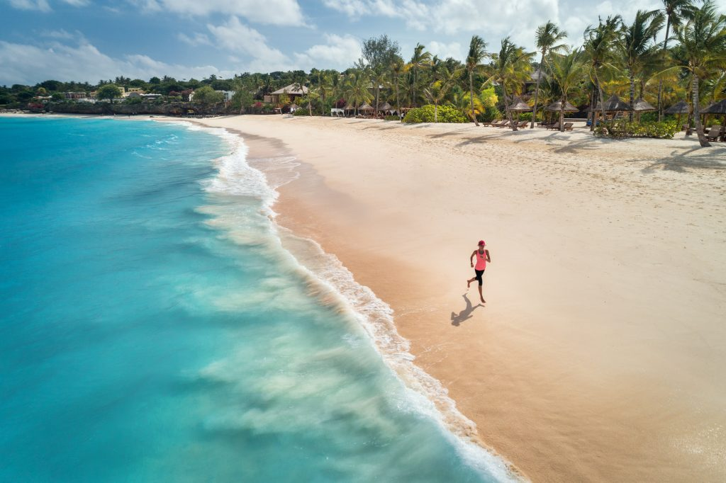 How to run on vacation, running on the beach